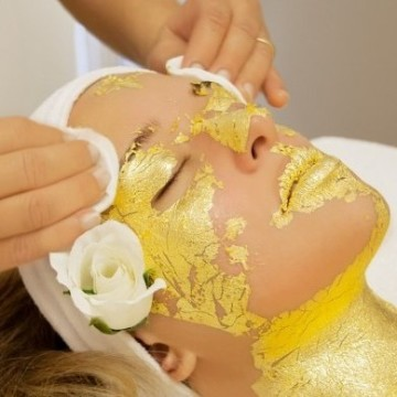 24-carat-gold-leaf-skin-treatment